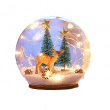 Jule  snekugle  med  rensdyr    sne  og  lys